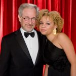 Filha de Steven Spielberg anuncia carreia na pornografia