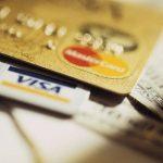 Bancos serão obrigados a cobrar dólar do dia no cartão
