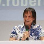 Roberto Carlos elogia Regina Duarte no cargo de secretária da Cultura