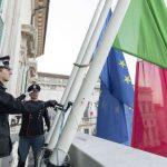 Itália presta homenagem a seus mortos por coronavírus