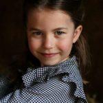 Palácio comemora 5º aniversário da princesa Charlotte com fotos inéditas