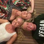"""Angélica, Xuxa e Eliana se reencontram e posam juntas: """"Todo mundo tá feliz"""""""