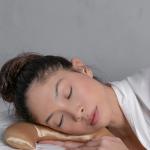 Marca americana recém-chegada ao Brasil, Nika Beauty, inova mais uma vez e lança travesseiro para skincare