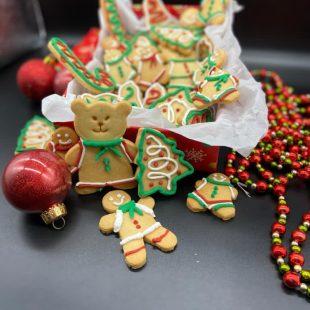 Chef pâtissier Flávio Duarte ensina receita de biscoitos natalinos