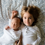 Helena e Miguel são os nomes de bebês mais escolhidos em 2020
