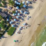 Casa Clube Trancoso prepara seu quinto verão nas areias de Trancoso e aposta no Upcycling de tecidos com o artista Fabio Gurjão