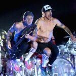 Red Hot Chili Peppers vendem catálogo de músicas por 758 milhões de reais